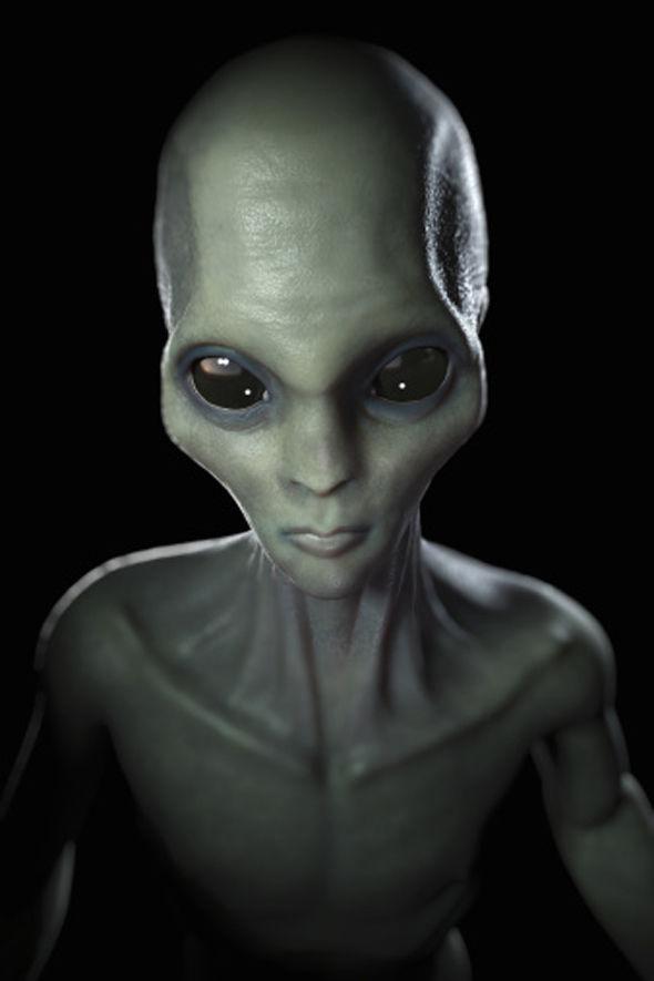 paul-alien-middle-finger